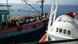 Tàu cá chết máy, 18 thuyền viên hoảng loạn giữa biển