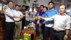 Gia đình thủ thành Nguyên Mạnh mổ gà cổ vũ ĐT Việt Nam