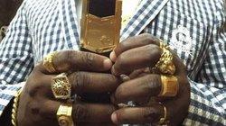 """Đại gia mê vàng chơi sang """"vượt mặt"""" Tổng thống Kenya"""