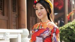 HH Mỹ Linh đẹp nao lòng giữa trời Thượng Hải