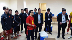 Clip Phó Thủ tướng Vũ Đức Đam động viên các tuyển thủ Việt Nam