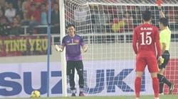 Thủ môn ĐT Việt Nam mắc sai lầm tại AFF Cup là chuyện… cơm bữa!