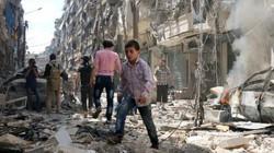 Hàng ngàn người tháo chạy khỏi bom đạn ở Allepo