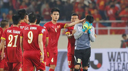 Tin tức AFF Cup (10.12): ĐT Việt Nam giống Arsenal, Indonesia thiết quân luật