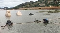 """Ruộng muối bỏ hoang vì ngập nước mưa, diêm dân Ninh Thuận """"mất Tết"""""""