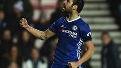 Cận cảnh siêu phẩm của Fabregas giúp Chelsea xây chắc ngôi đầu