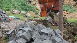 Bình Định: Núi đá tan hoang vì khai thác không phép