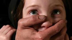 Tội phạm ấu dâm khóc thét khi ra tù vì quy định thiến hóa học