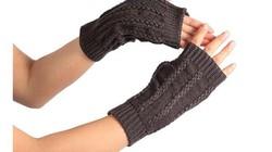 Mùa đông bớt lạnh với găng tay len xinh từ áo cũ