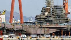 """Trung Quốc lo """"sốt vó"""" vì lộ ảnh chi tiết tàu sân bay tự đóng"""