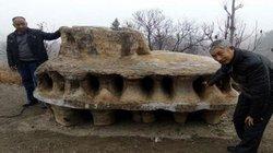 Khối đá nặng 6 tấn giống phi thuyền ngoài hành tinh ở TQ