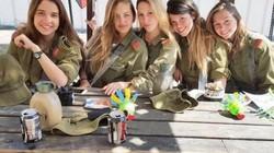 Vẻ đẹp gợi cảm của các nữ quân nhân Israel