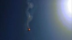 Khoảnh khắc máy bay Mỹ bị phiến quân bắn hạ ở Yemen