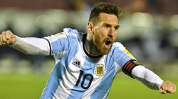 "Messi lập hat-trick, Argentina ngược dòng lách qua ""cửa tử"""