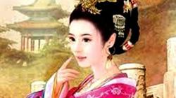 """Trò """"nghiện"""" khỏa thân quái đản của hoàng hậu Trung Hoa"""