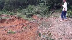 Hòa Bình: Núi nứt cả kilômét, rộng hơn 2m, dân chạy tán loạn