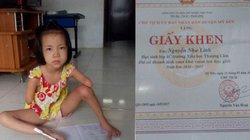 Cô bé không tay, dùng chân viết giấc mơ đến trường