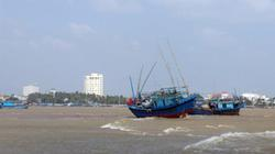 Thi thể thuyền viên trong vụ 3 tàu cá mắc cạn được tìm thấy