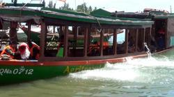 Tàu câu mực chở 36 thuyền viên chìm trên biển, một người tử vong