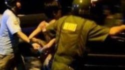 Tài xế xe ô tô vi phạm chửi bới, đánh CSGT trọng thương