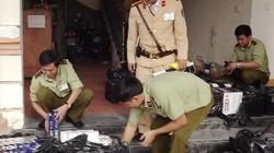 CSGT Quảng Bình bắt giữ gần 700 chai rượu, 6.000 gói thuốc lá lậu