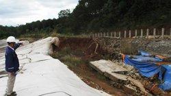 Sụt lún, sạt lở tại hồ bùn đỏ Nhà máy Alumin Nhân Cơ