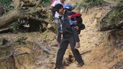 Clip: Thầy giáo vượt núi vào bản cõng từng học sinh đến trường