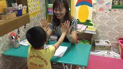 Ngày 20.11 của những cô giáo đặc biệt: Dạy con mà trào nước mắt
