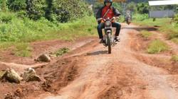 Đắk Lắk: Hiến đất, mất tiền, thêm phiền mà đường chẳng thấy đâu