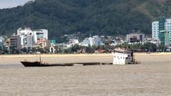 """10.000 lít dầu DO trong tàu bị chìm ở biển Quy Nhơn """"bốc hơi""""?"""