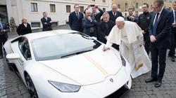 Giáo hoàng từ chối quà tặng xe Lamborghini Huracan