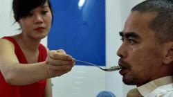 Vợ trẻ 9X của Nguyễn Hoàng kịp nhìn mặt chồng trước phút lâm chung