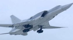 6 máy bay ném bom tầm xa TU-22M3 của Nga quần nát IS ở Syria