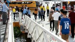 TP.HCM: Người dân háo hức đi buýt đường sông dù phải xếp hàng dài