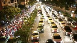 Kẹt xe kinh hoàng đêm cuối tuần tại cửa ngõ sân bay Tân Sơn Nhất