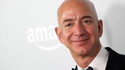 """""""Ông trùm"""" Amazon thành người giàu nhất thế giới nhờ Black Friday"""