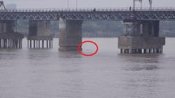 Hà Nội cấm phương tiện qua cầu Long Biên để vớt bom