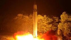 """Chuyên gia """"sốc"""" với tên lửa mạnh chưa từng có Triều Tiên vừa phóng"""