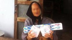 Thực hư chuyện bà cụ hơn 100 tuổi nhận quà cứu trợ là băng vệ sinh