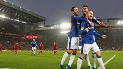"""Rooney """"nổ súng"""", Liverpool và Everton chia điểm ở derby Merseyside"""