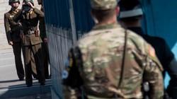 """Lính Triều Tiên bất ngờ """"độn thổ"""" đến tận đồn gác HQ"""