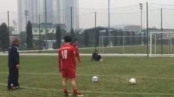 Thách đấu Công Phượng, HLV Park Hang-seo thua hài hước