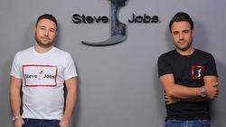 Apple cay đắng nhìn tên Steve Jobs được dùng làm nhãn hiệu quần áo Ý