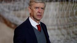 HLV Wenger nói gì sau khi san bằng kỷ lục của Sir Alex?