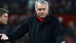 M.U 4 trận không thắng, Mourinho phát biểu sốc về trọng tài