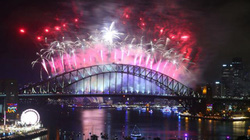 Pháo hoa đón giao thừa tuyệt đẹp đã rực sáng bầu trời nước Úc