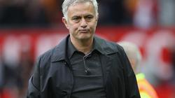 Trước đại chiến với Valencia, Mourinho báo tin buồn cho CĐV M.U