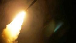 """Lý do Mỹ """"mất ngủ"""" vì Iran tấn công tên lửa ở Syria"""