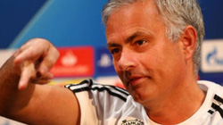"""HLV Mourinho nói gì về cuộc """"làm phản"""" ở M.U?"""