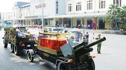 Ảnh: Xe tang đưa di hài cố Tổng Bí thư Đỗ Mười qua nhiều tuyến phố